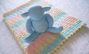 Ekose Desenli Fıstıklı Bebek Battaniyesi Yapımı 6