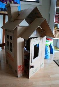 Kartondan Ev Yapımı - Resimli Videolu Örnekleri 4