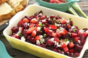 Çilekli Pancar Salatası Tarifi 2