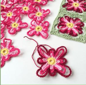 Çiçek Kırlent Modeli Yapılışı 8