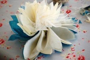 Krepon Kağıdı ile Tül Çiçek Yapımı 9
