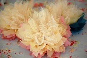 Krepon Kağıdı ile Tül Çiçek Yapımı 11