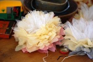 Krepon Kağıdı ile Tül Çiçek Yapımı