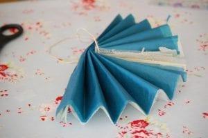 Krepon Kağıdı ile Tül Çiçek Yapımı 3