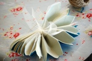 Krepon Kağıdı ile Tül Çiçek Yapımı 6