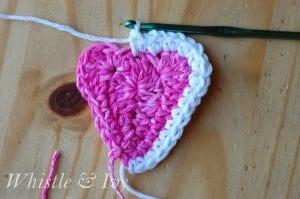 Kalp Örgü Duvar Süsü Yapılışı 4