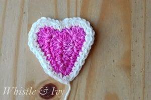 Kalp Örgü Duvar Süsü Yapılışı 7