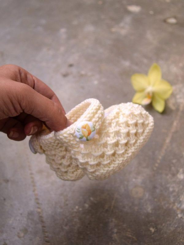 Kolay Tığ İşi Bebek Patik Örnekleri 17