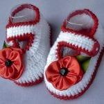 Kolay Tığ İşi Bebek Patik Örnekleri 69
