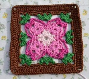 Küpe Çiçeği Motifli Battaniye Nasıl Yapılır? 7