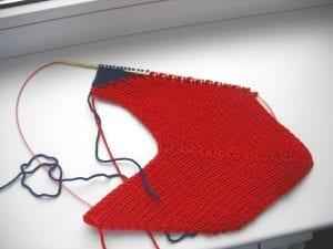 Zikzak Haroşa Örgü Şapka Yapımı 11