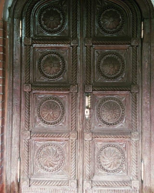 Dekoratif Dış Kapı Modelleri ve Fikirleri 34