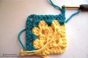 Renkli Kare Bebek Battaniyesi Yapımı 12