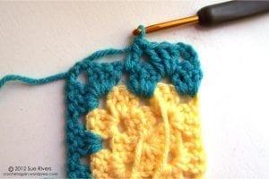 Renkli Kare Bebek Battaniyesi Yapımı 13