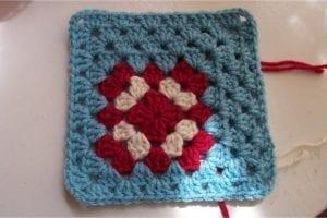 Renkli Kare Bebek Battaniyesi Yapımı 14