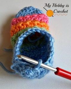 Yıldız Örgü Bebek Çorabı Nasıl Yapılır? 7