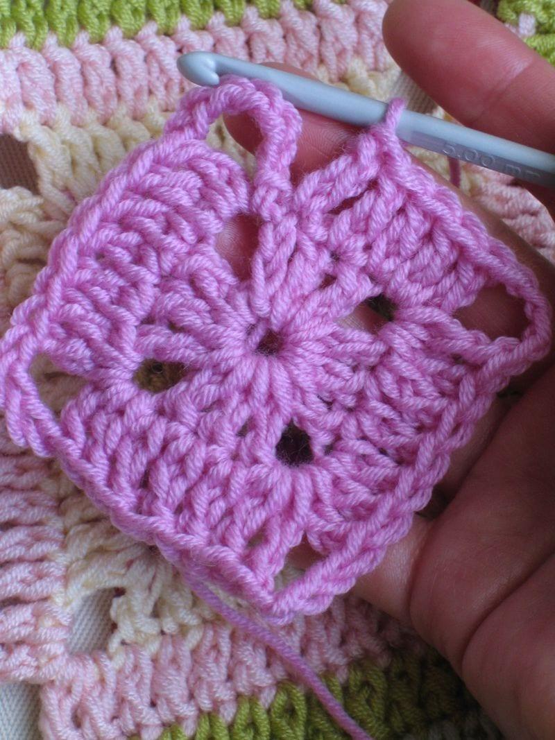 Çiçekli Bebek Battaniyesi Nasıl Yapılır? 9