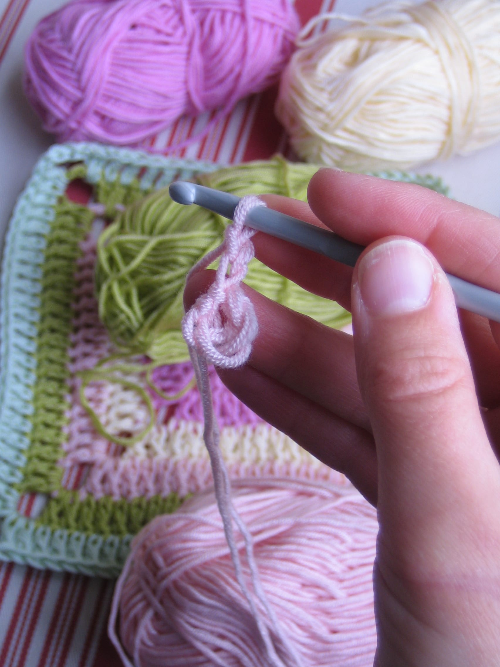Çiçekli Bebek Battaniyesi Nasıl Yapılır? 21