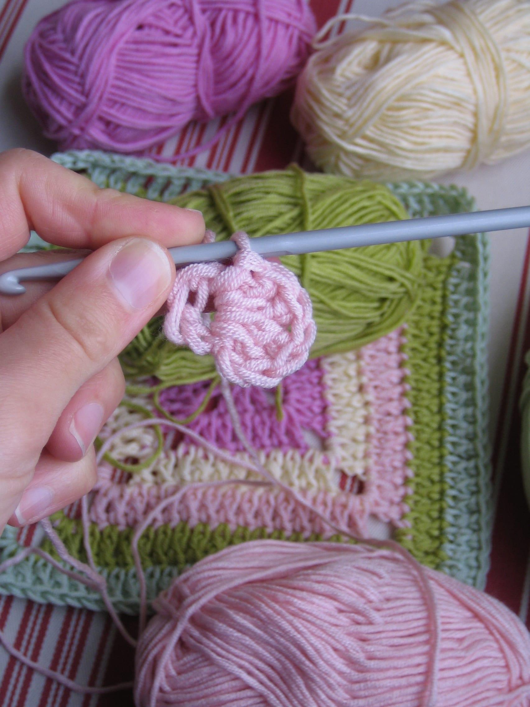 Çiçekli Bebek Battaniyesi Nasıl Yapılır? 24