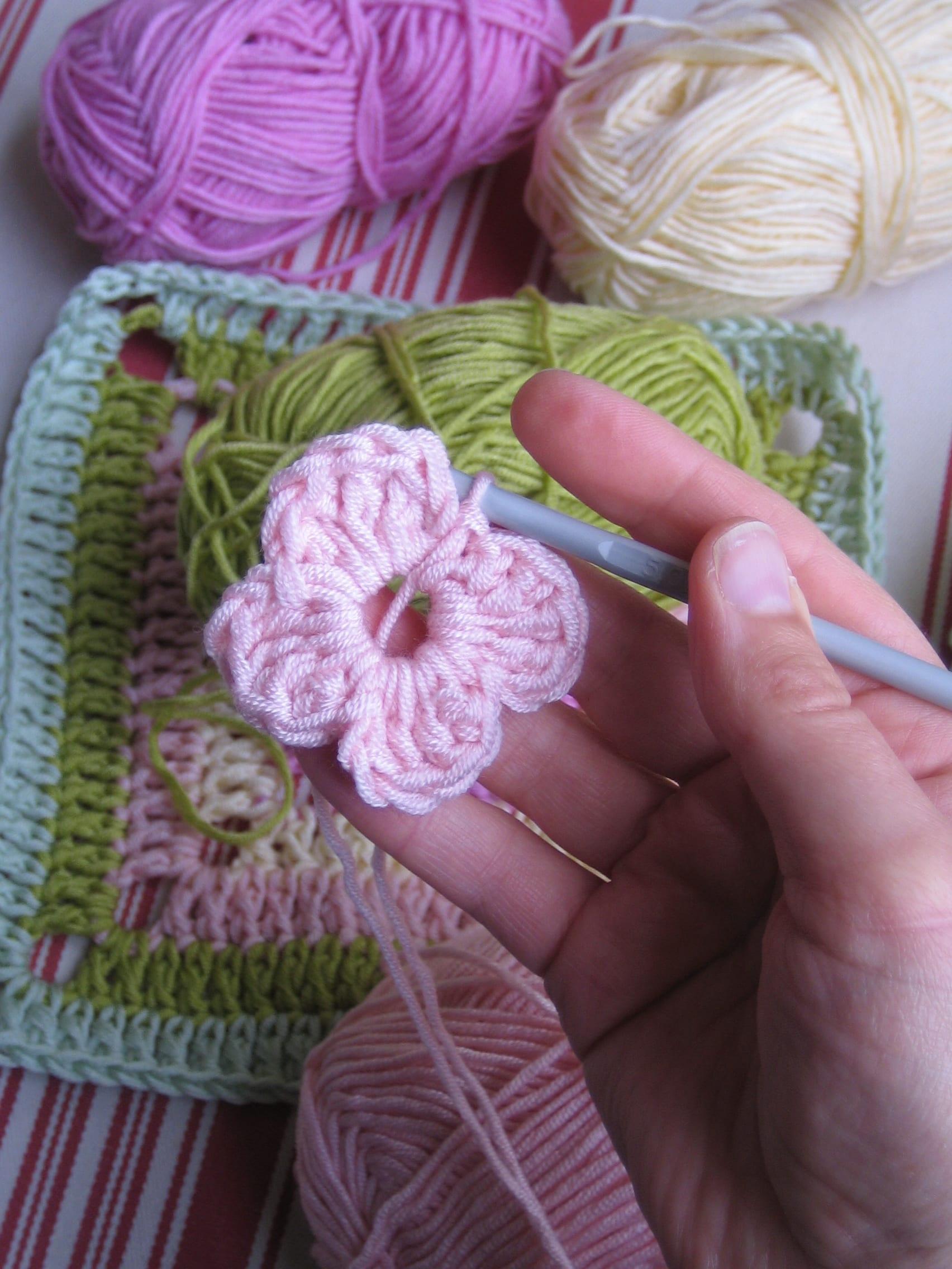 Çiçekli Bebek Battaniyesi Nasıl Yapılır? 25