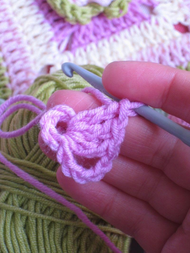 Çiçekli Bebek Battaniyesi Nasıl Yapılır? 2