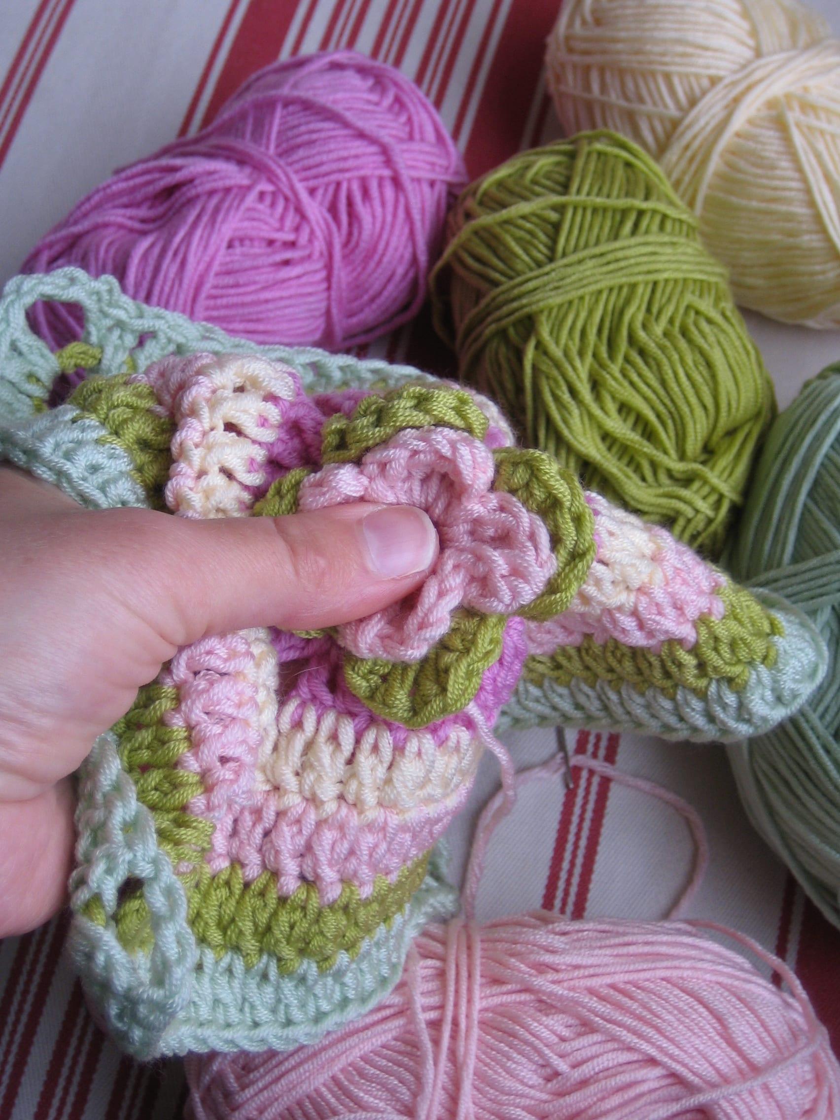 Çiçekli Bebek Battaniyesi Nasıl Yapılır? 40
