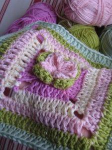 Çiçekli Bebek Battaniyesi Nasıl Yapılır? 42