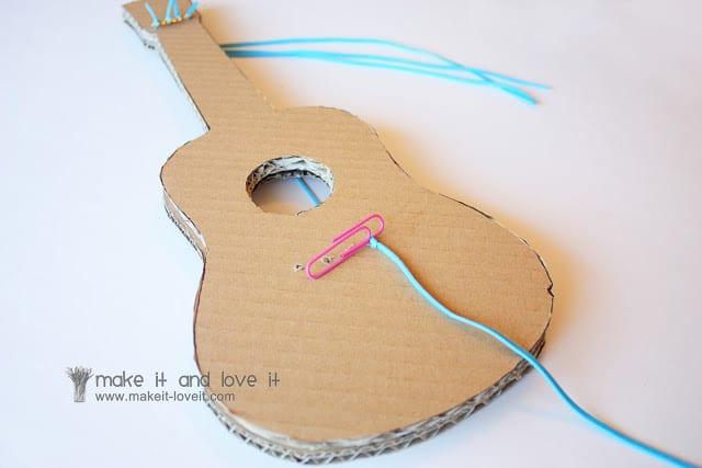 Гитара для кукол своими руками 553