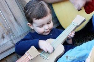 Kartondan Gitar Nasıl Yapılır? 21