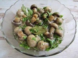 Kore Usulü Mantar Salatası 5