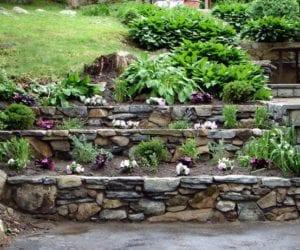 Taşlarla Yapılmış Bahçe Fikirleri 30