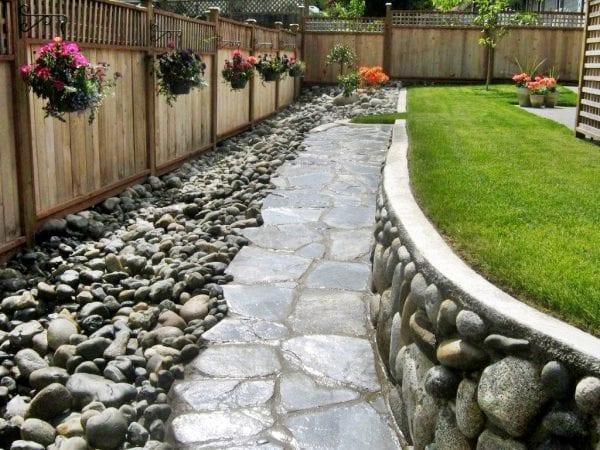 Taşlarla Yapılmış Bahçe Fikirleri 18