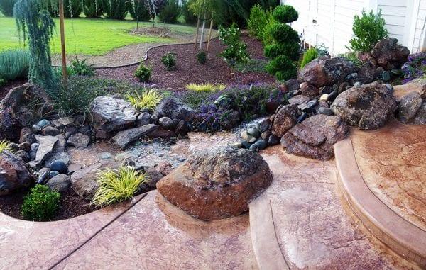 Taşlarla Yapılmış Bahçe Fikirleri 19