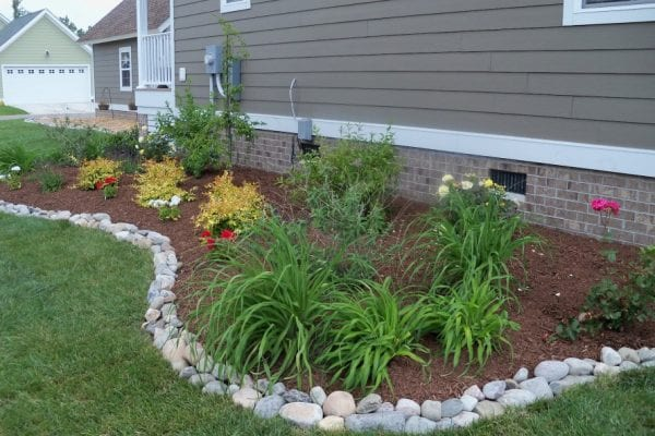 Taşlarla Yapılmış Bahçe Fikirleri