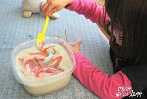 Okul Öncesi Patlayan Süt Deneyi