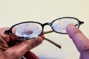 Gözlük Camı Çizikleri Nasıl Giderilir?