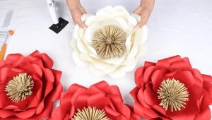 Kartondan Çiçek Nasıl Yapılır?