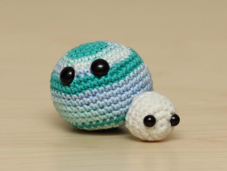 Amigurumi (örgü oyuncak) örerken hangi ipler kullanılır? - YouTube | 579x768