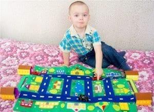 Keçeden Oyun Evi Battaniye Yapımı