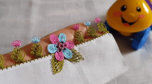 Keloğlan Çiçek Motifli İğne Oyası Yapılışı 2