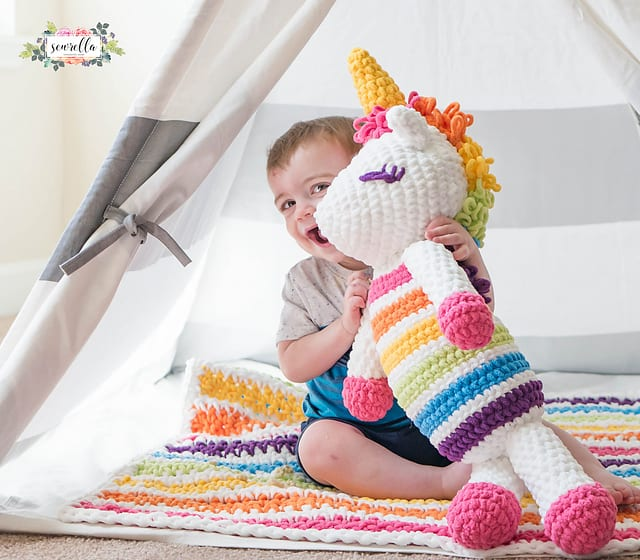 Kadife İple Amigurumi Unicorn Yapımı 11
