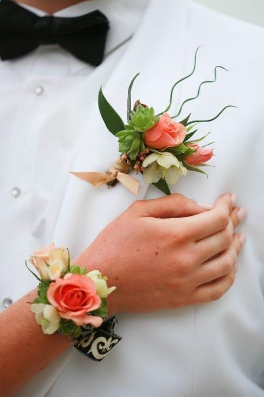 Gelin Bilekliği ve Damat Yaka Çiçeği Modelleri 6