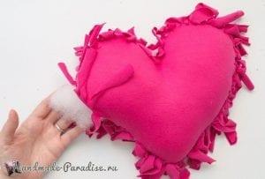 Eski Tişörtten Kalp Yastık Yapımı 7