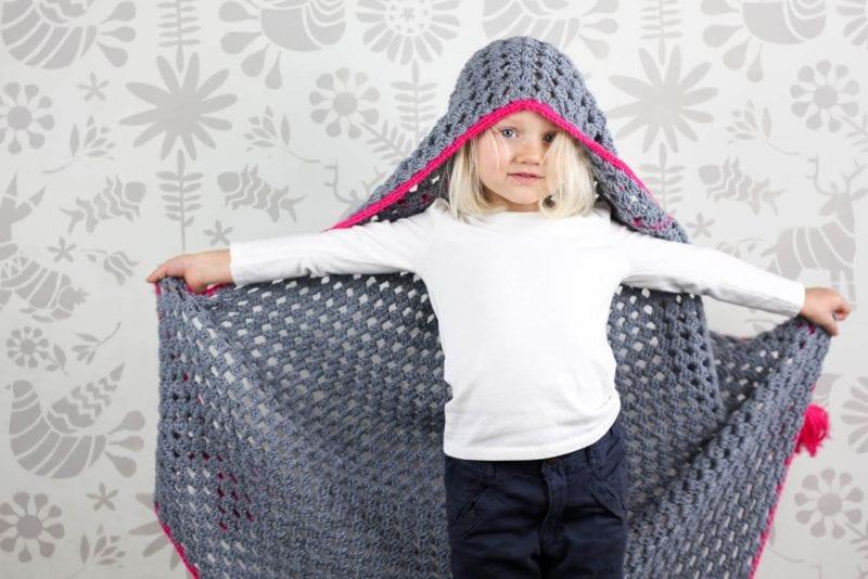 Kapşonlu Bebek Battaniyesi Yapılışı 10