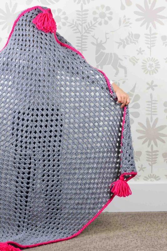 Kapşonlu Bebek Battaniyesi Yapılışı 11