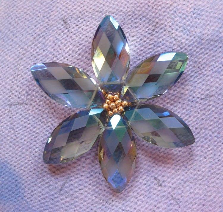 Kristal Boncuklu Çiçekli Kolye 41