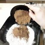 Kolay Çikolatalı Kek Tarifi 2