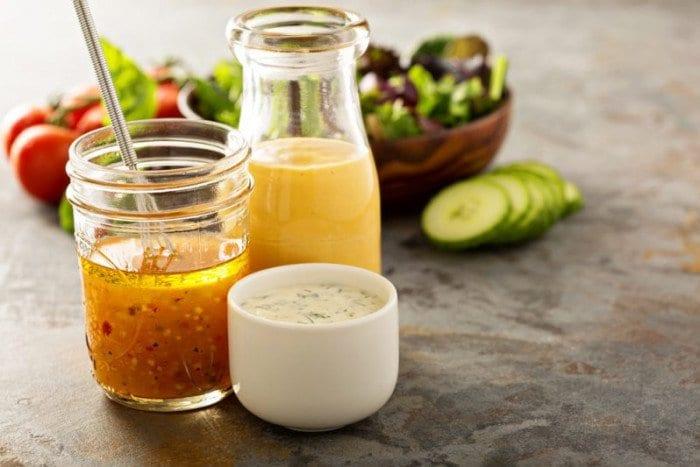 Salatalarınızı Daha Lezzetli Hale Getirecek 5 Sos Tarifi