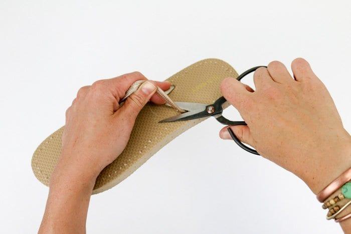 Motifli Yazlık Örgü Ayakkabı Yapılışı 2