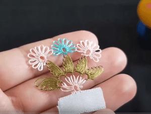 İğne Oyası Üçlü Çiçek Modeli Yapılışı 1
